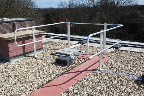 freestanding guardrails